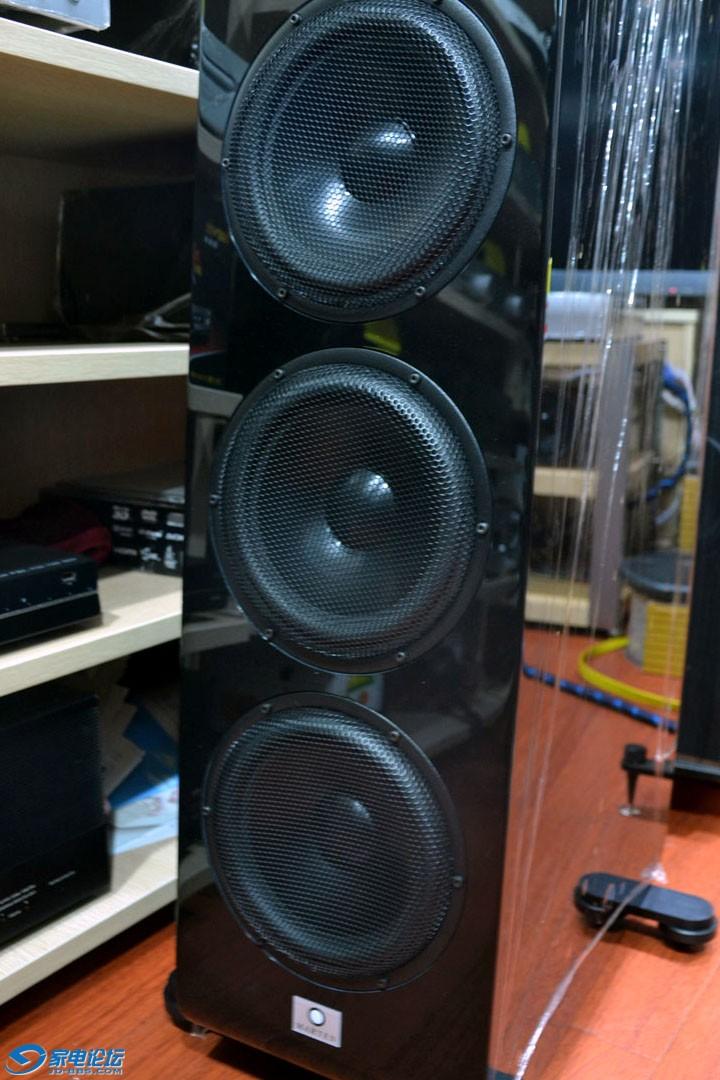 三只220毫米大八寸低音喇叭.jpg