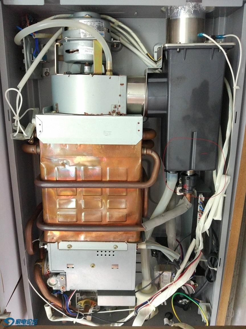 最后的挽救:万和 10升 智能冷凝燃气热水器 经常报e1点火故障什么问题图片