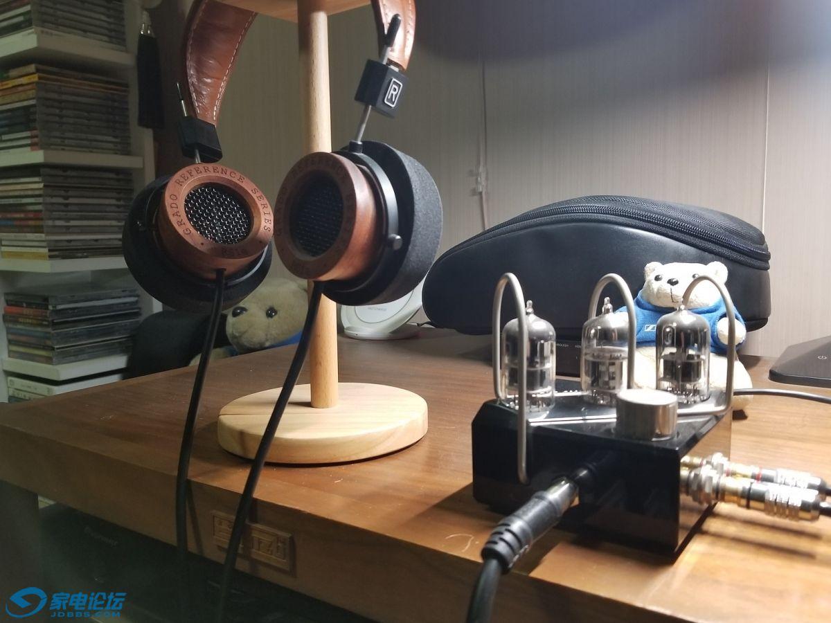 悄悄站着的RS1E耳机