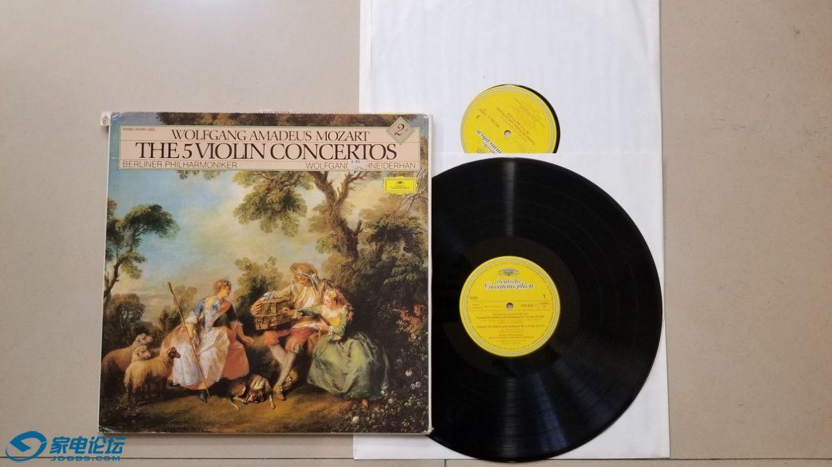 H0663-1 施奈德汉 指挥柏林爱乐乐团及小提琴演奏《莫扎特 第1-5小提琴协奏曲》(2LP).jpg