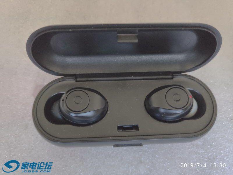 AMOI F9蓝牙耳机 03_调整大小.jpg