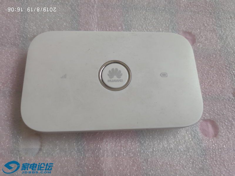 华为E5573S-856 4G无线路由 01_调整大小.jpg