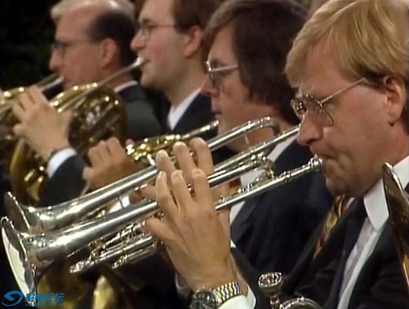 铜管乐演奏.jpg